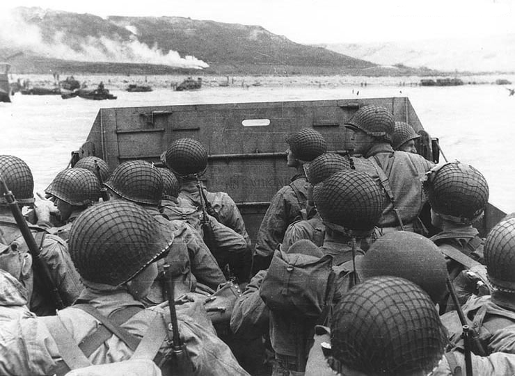 d-day-troop-about-to-land