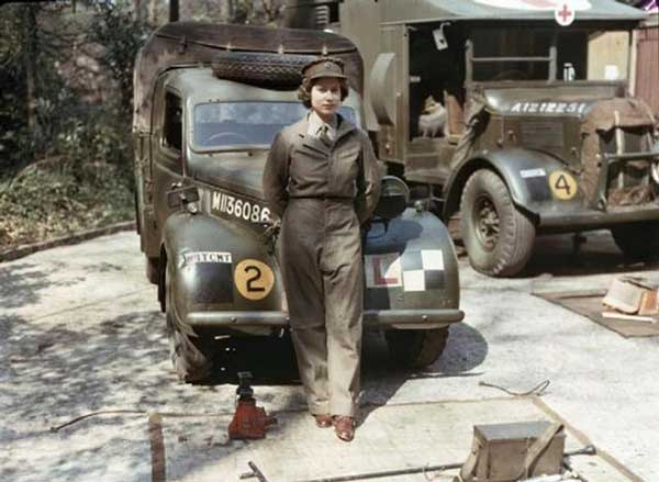 Queen Elizabeth WW II