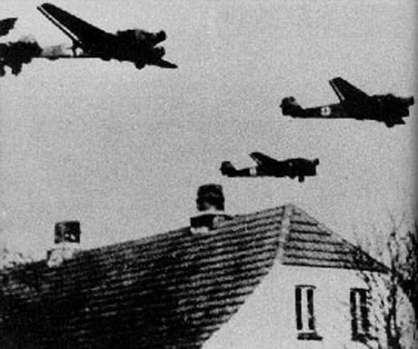german_planes_over_denmark_1940