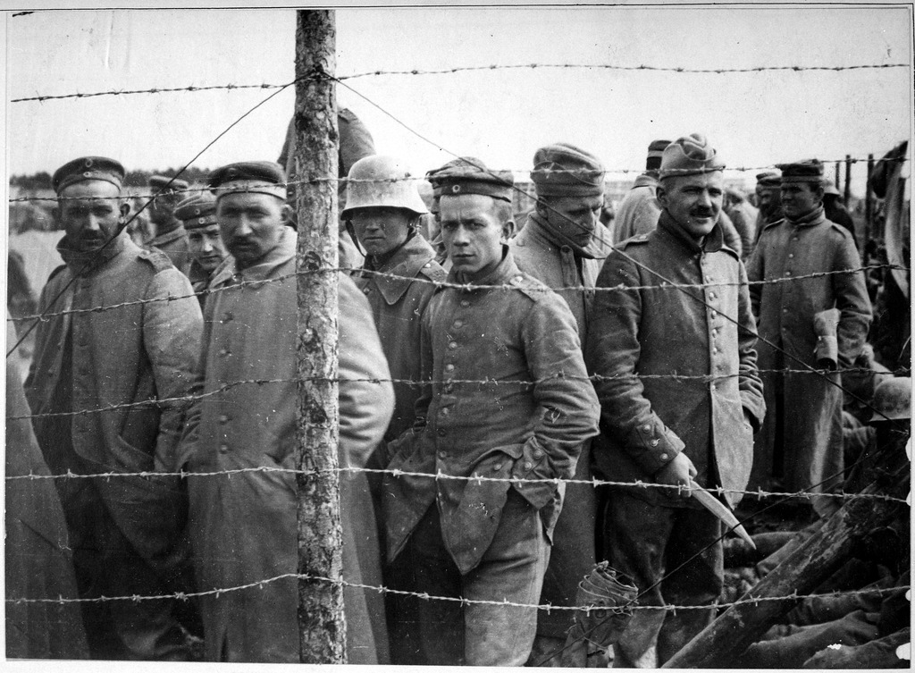 lossy-page1-1024px-german_prisoners_in_a_french_prison_camp-_french_pictorial_service-_1917_-_1919_-_nara_-_533724-tif